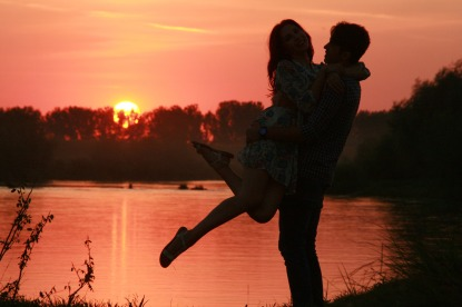 couple-915992_1920